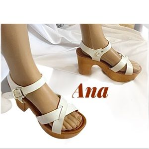 """Size 8 """"Anna"""" shoes 👠"""